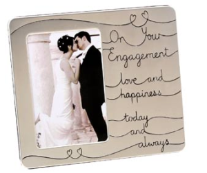 6 Thoughtful Engagement Gifts For Husband And Wife To Be